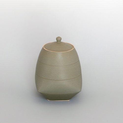 Sun Kim, Medium Lidded Jar at Joanna Bird Contemporary Collections